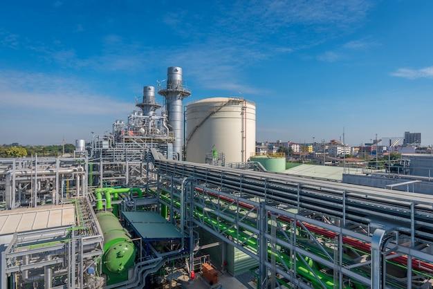 発電所、天然ガス複合サイクル、ガスタービン発電機およびスタック