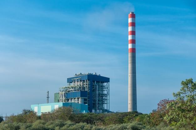 グローバルおよびスタックタワーへの石炭発電所のエネルギー供給。