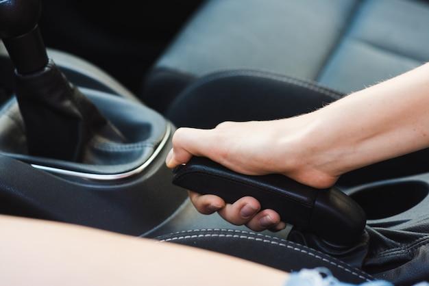 Автомобиль ручной тормоз крупным планом