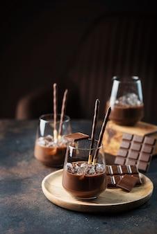 チョコレートのクリーミーな甘いリキュール