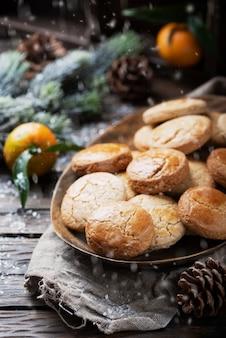 クリスマスディナーの自家製クッキー