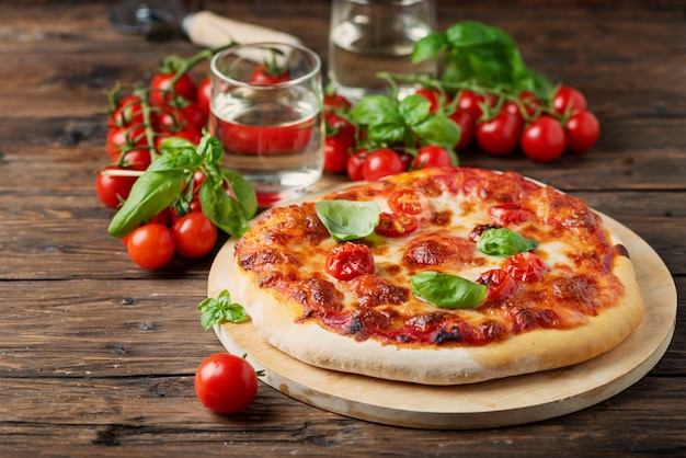 Домашняя итальянская пицца маргарита
