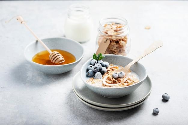 コーンフレークと朝食