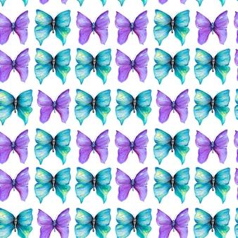 Бесшовный фон с фиолетовыми и синими бабочками