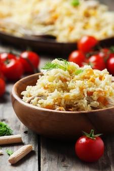 ニンジンとタマネギの伝統的なウズベキスタンの前菜
