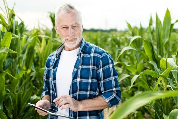 Фермер в полевых условиях