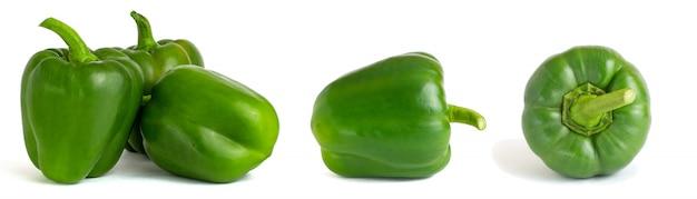 白で隔離される甘い緑ピーマンのコラージュ