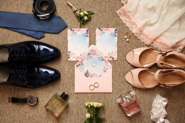 Лучший вид на день свадьбы. свадебные аксессуары для жениха и невесты