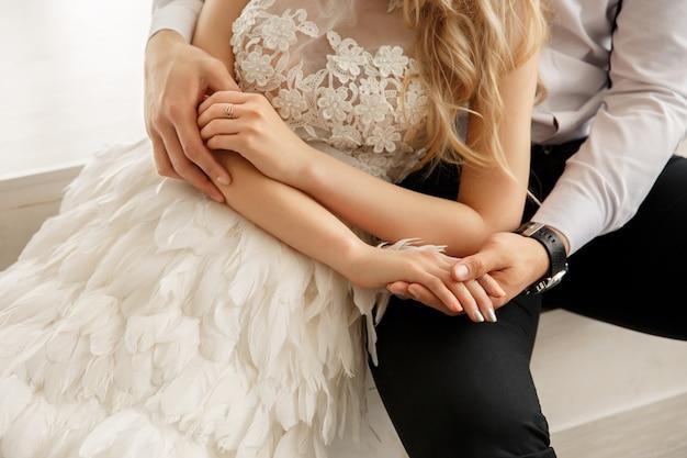 Свадебная пара в любви. жених и невеста.