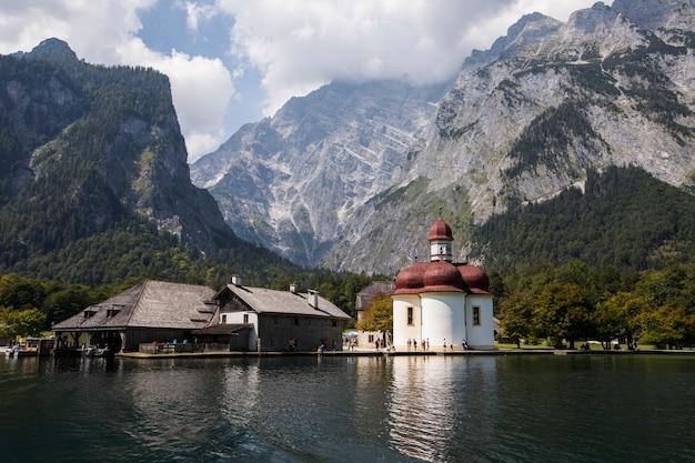 ケーニヒス湖、南ドイツ、バイエルン州の夏のシーン。ヨーロッパ