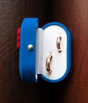 ホワイトボックスの結婚指輪