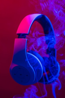 音楽を聴くためのヘッドフォン。
