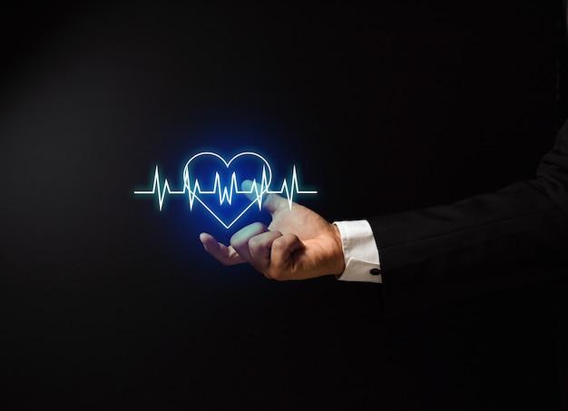Рука человека с дизайном концепции здоровья