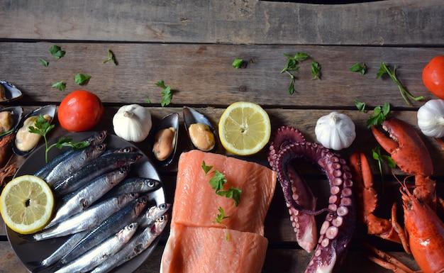 テーブルの上の魚の多くの種類