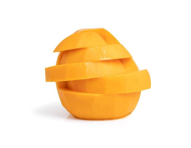 Ломтик манго изолированы.