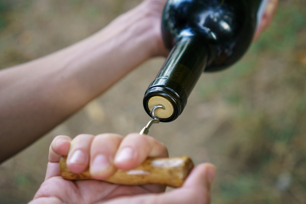 Бутылка винного штопора