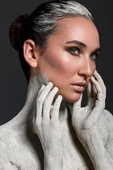 Мода на сухую кожу. художественный образ
