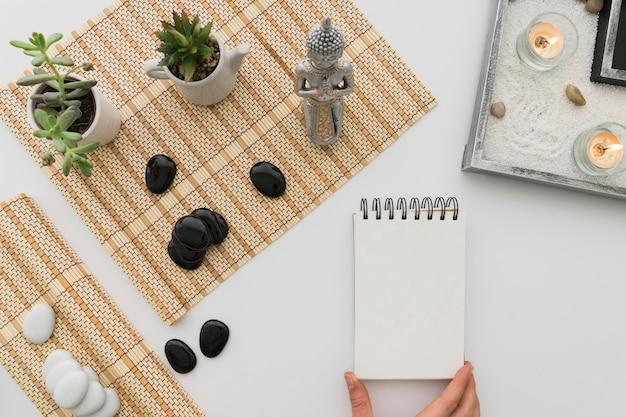 Элементы медитации и блокнот