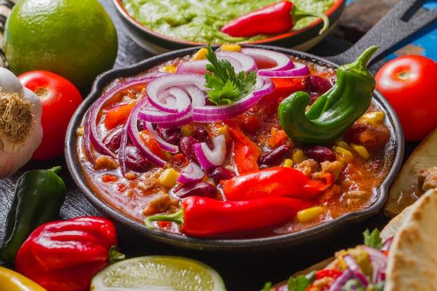 Мексиканский горшок для приготовления пищи