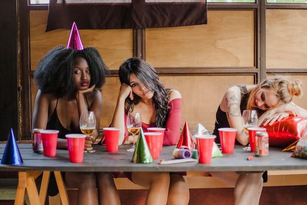 パーティーの女の子の後