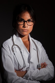 有能な医師ポーズ