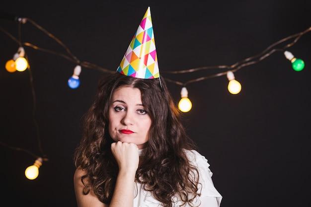 悲しい女の子、誕生日パーティー