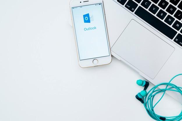 Ноутбук, телефон, наушники и перспективы