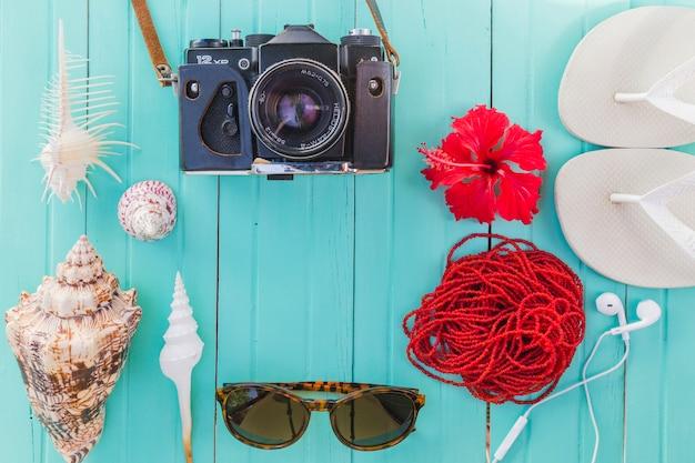 Состав летних предметов и сувениров