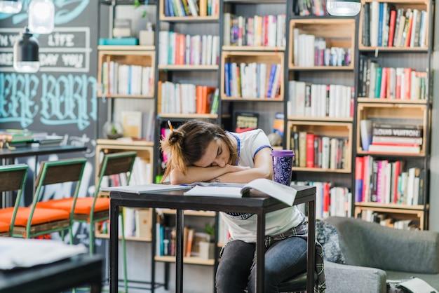 女の子、髪の毛、テーブル、睡眠