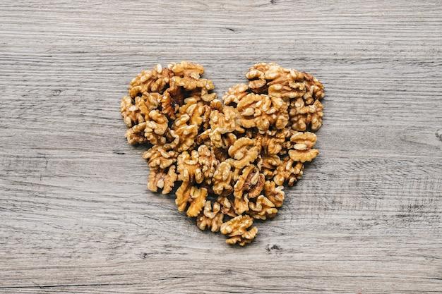 心を形成するナッツ