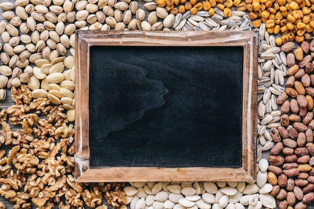 Шифер на разных типах орехов