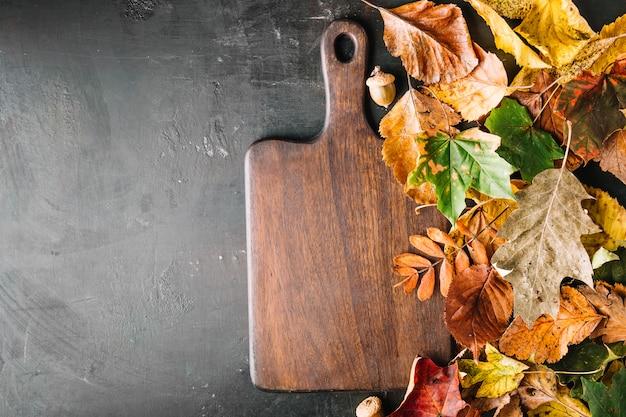 葉の木製ボード