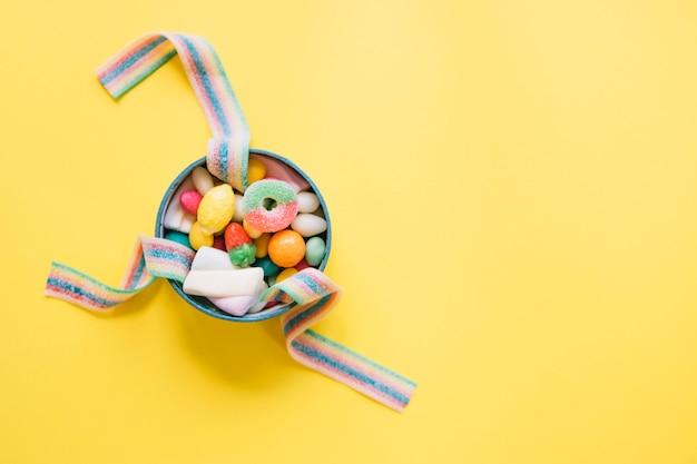 お菓子のボウル