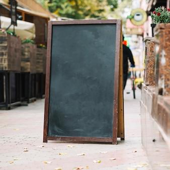 カフェの近くの黒板