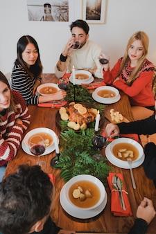 スープと七面鳥のクリスマスディナー