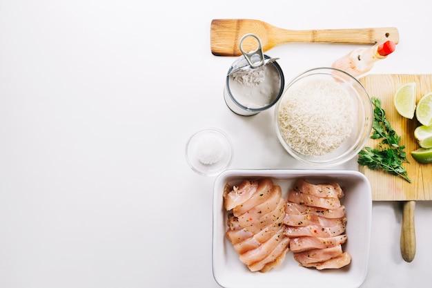 肉を調理するための材料
