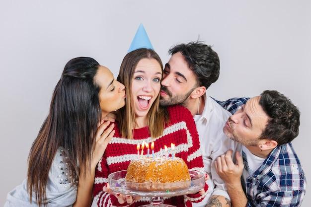 Концепция вечеринки с четырьмя друзьями