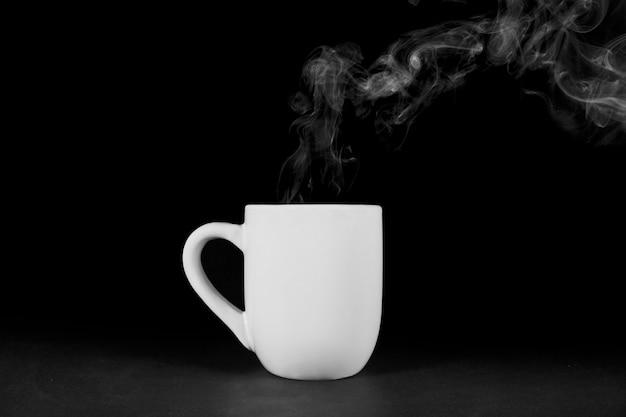 蒸気のマグカップ