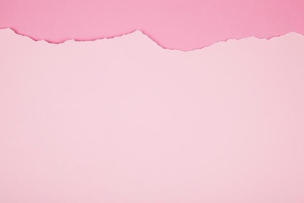 ピンク色の紙の表面