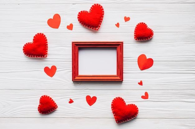 Сердца вокруг рамки