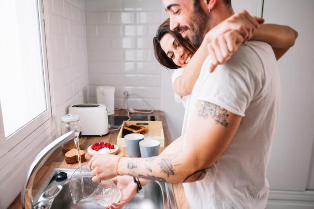 女性のための洗濯皿