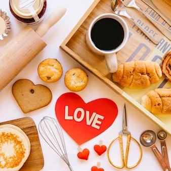 Близкое сердце рядом с завтраком