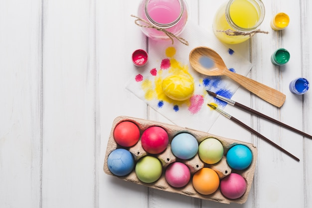 Набор для окрашивания яиц на белом