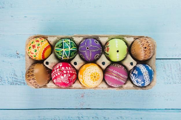 運搬中の色付き卵の組成