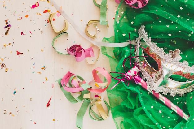フェスティバル・マスクとパーティー・ホーン