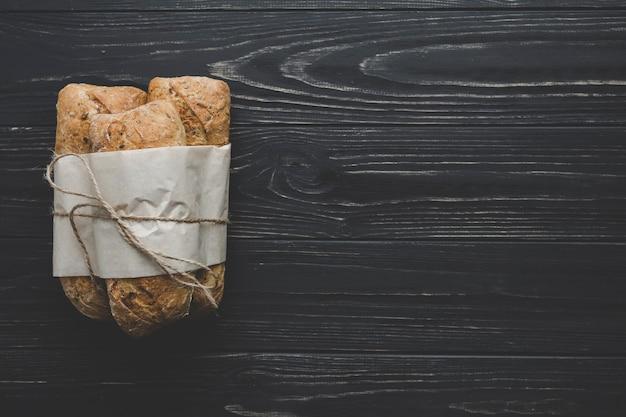 新鮮なパンのパック
