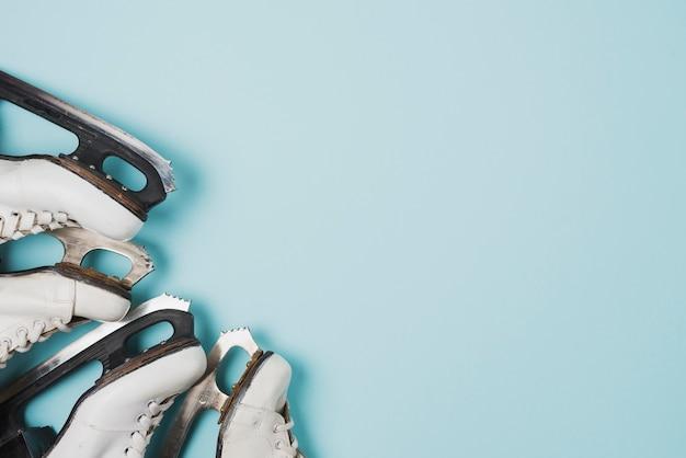 角を曲がる氷スケート