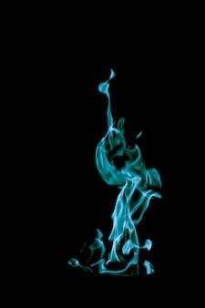 激しい炎の青い炎