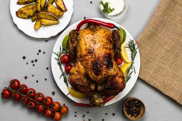 Изящная курица с цитрусами и перцем
