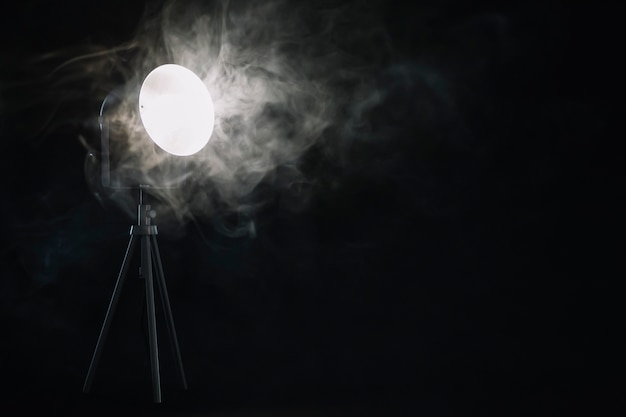 ランプ近くの煙